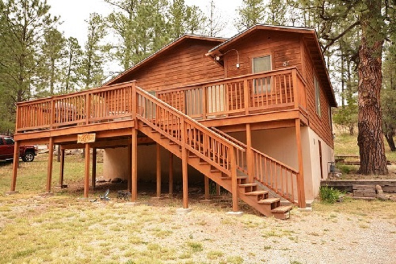 outside view of cabin