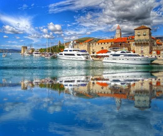 boat-cruising