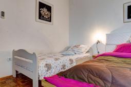 bedroom-2beds
